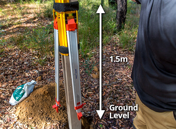 Making sure the Post King leveling tool is less than 1.5m from the ground.